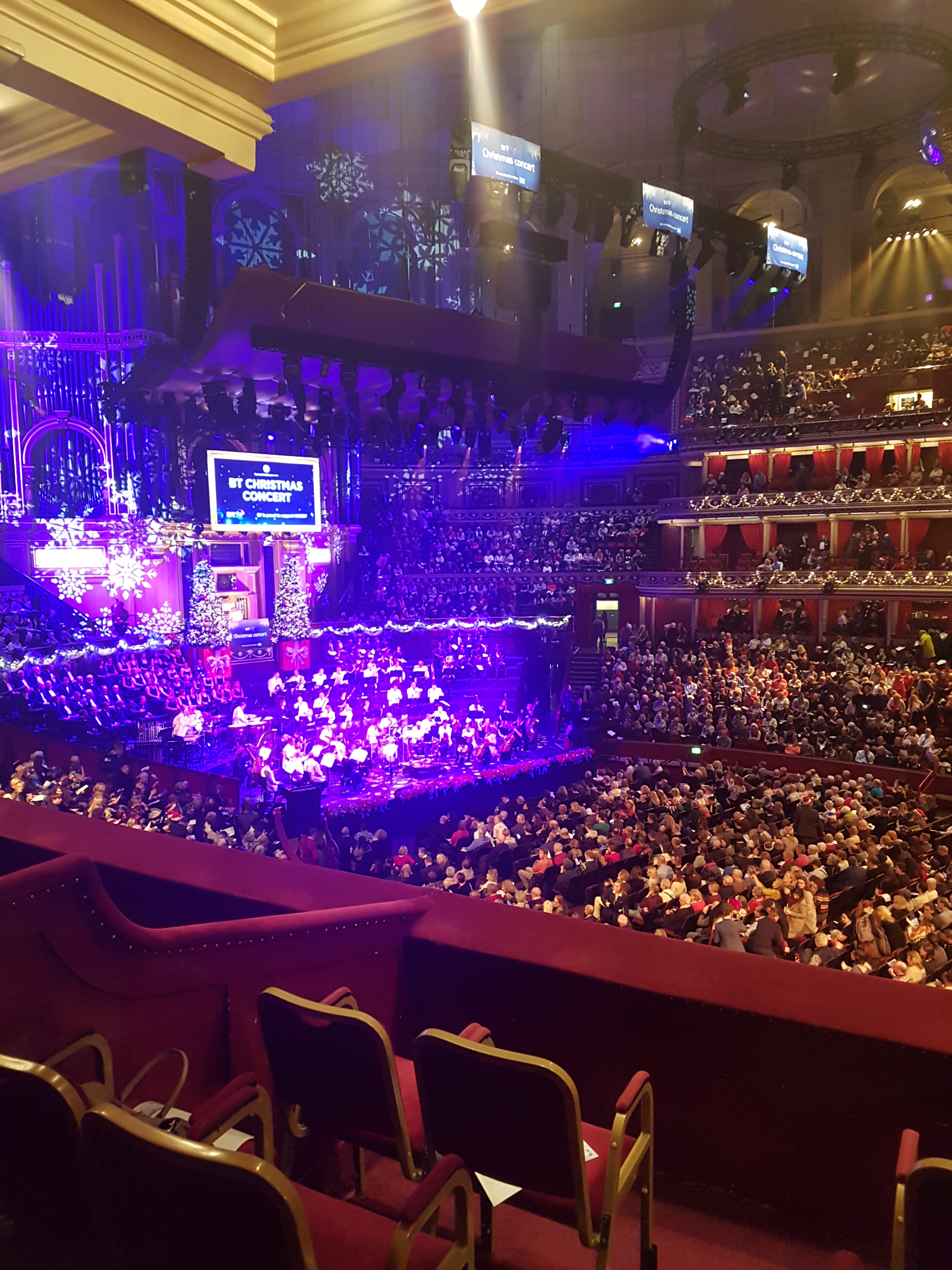 Christmas Concerts Near Me.Bt Christmas Concert At The Royal Albert Hall Escaping